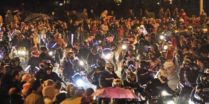 41e-descente-aux-flambeaux-des-motards-de-la-cote-de-la-vierge-1